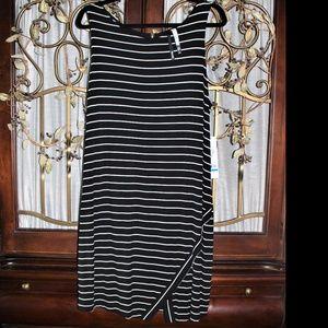 KENSIE Black/White Striped V-Front Hem Dress-SZ XL